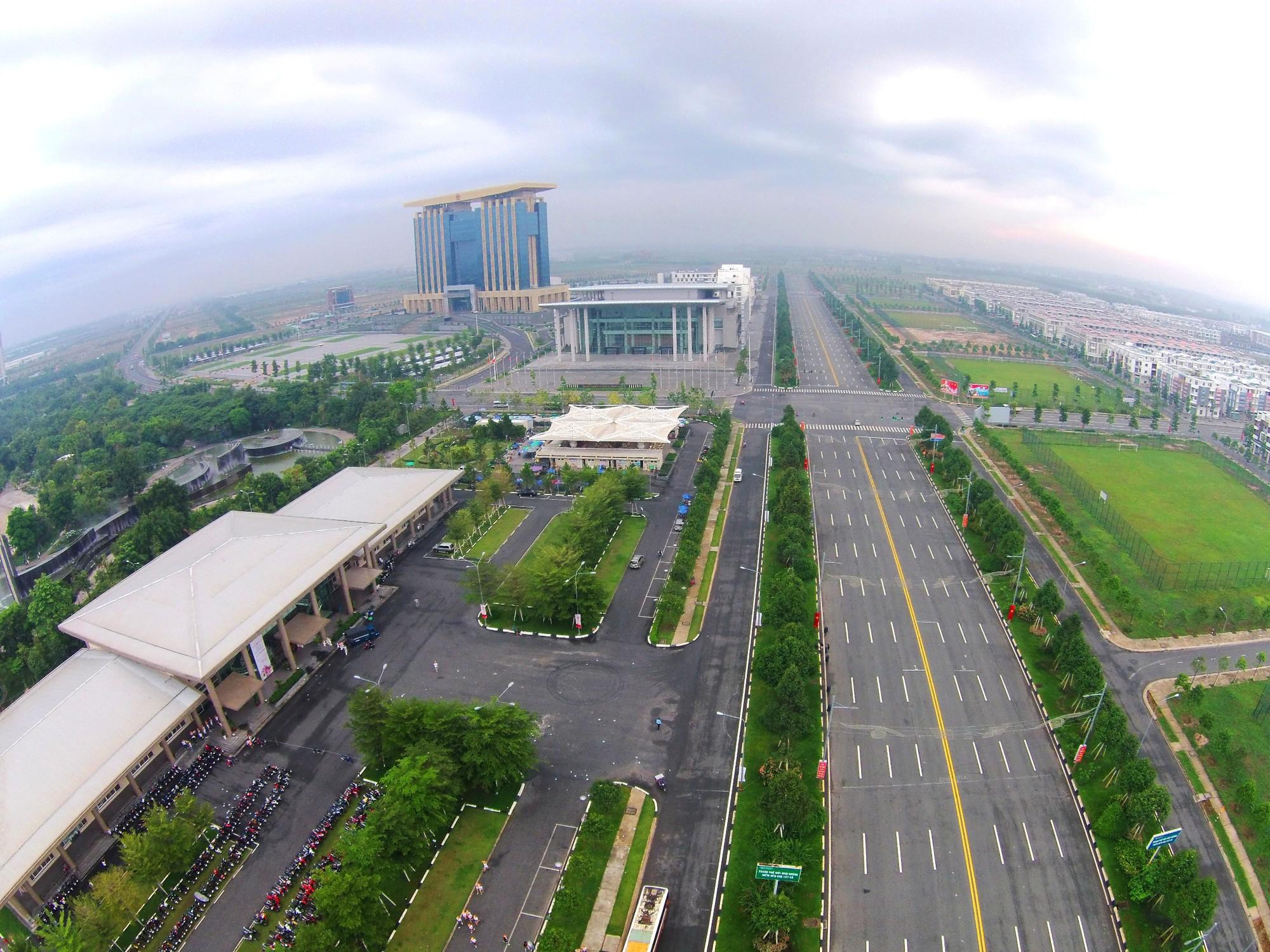 becamex-idc-corp-the-chap-55-km-dat-tai-10-ngan-hang-khac-nhau-081438