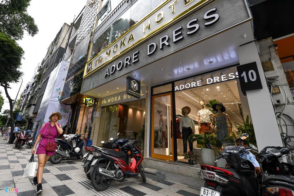 Ngã 6 Phù Đổng ở Sài Gòn có gì để các thương hiệu ồ ạt đổ về - Ảnh 1.