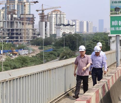 Nghiên cứu phương án để sửa chữa cầu Thăng Long sớm nhất - Ảnh 2.