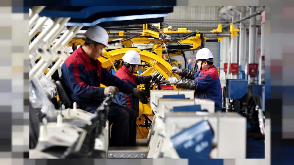 1000x563_china-july-industrial-output-growth-falls-to-17-year-low-as-trade-war-escalates-retail-sales-disappoint
