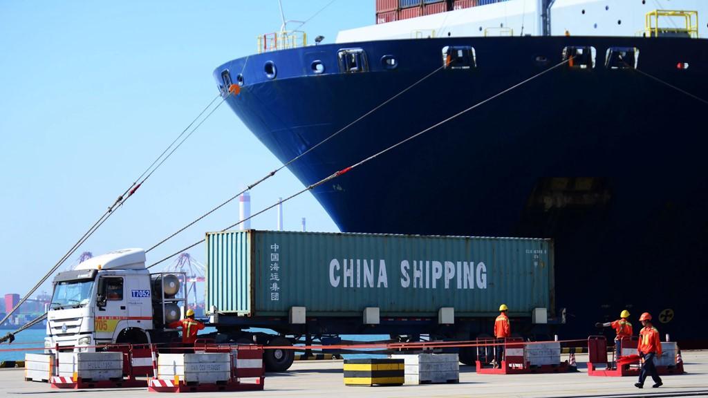 'Lao động thiếu trí tuệ, Trung Quốc không đủ sức thách thức Mỹ' - Ảnh 1.