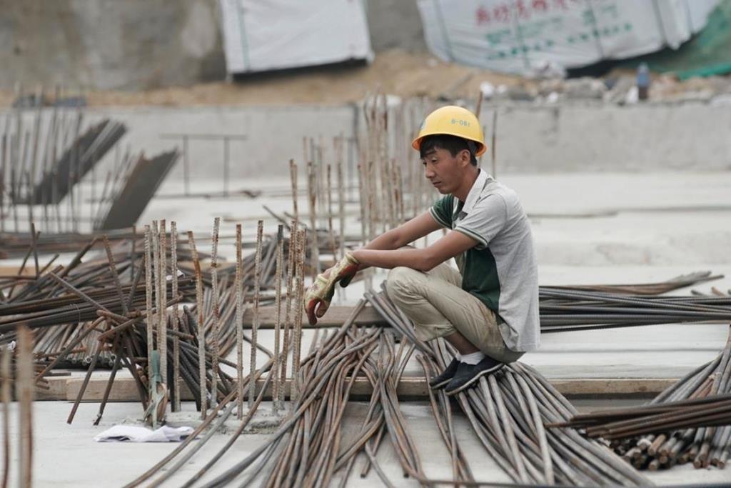 'Lao động thiếu trí tuệ, Trung Quốc không đủ sức thách thức Mỹ' - Ảnh 2.