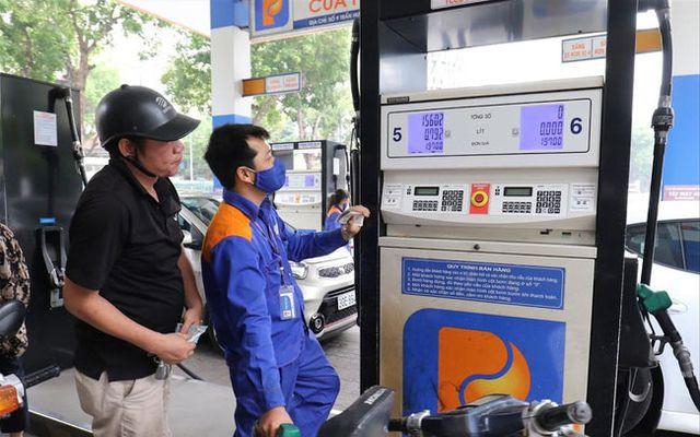 Quĩ bình ổn giá xăng dầu: Sau bao lâu tiếp tục nóng chuyện bỏ hay giữ - Ảnh 1.