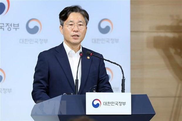 Hàn Quốc sẵn sàng đàm phán với Nhật Bản về danh sách trắng - Ảnh 1.