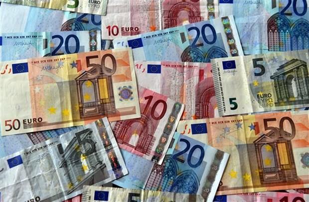 Kinh tế châu Âu đón nhận thêm dấu hiệu kém sáng - Ảnh 1.