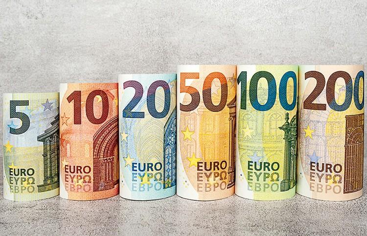 Tỷ giá Euro hôm nay (19/8): Giá Euro ngân hàng biến động trái chiều - Ảnh 1.