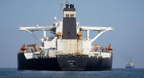 Iran cảnh báo hậu quả nghiêm trọng nếu Mỹ bắt 'siêu tàu' dầu - Ảnh 1.