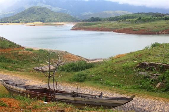 Thủy điện lớn nhất Quảng Trị dừng hoạt động vì cạn nước - Ảnh 1.