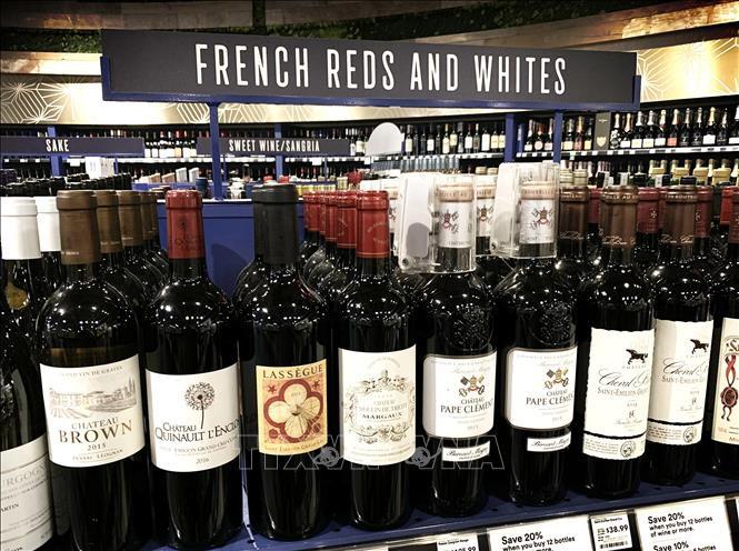 Chủ tịch Hội đồng châu Âu cảnh báo đáp trả nếu Mỹ áp thuế rượu vang Pháp - Ảnh 1.