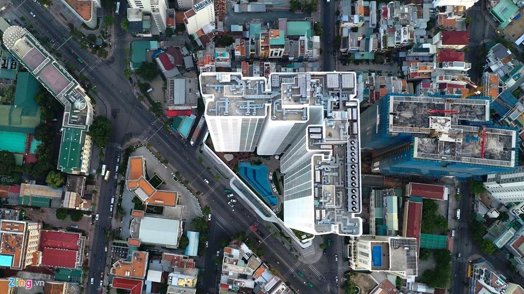 Condotel, khách sạn cao tầng chen chúc dọc bờ biển Nha Trang - Ảnh 6.