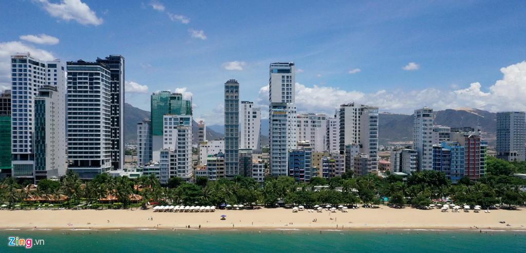 Condotel, khách sạn cao tầng chen chúc dọc bờ biển Nha Trang - Ảnh 9.