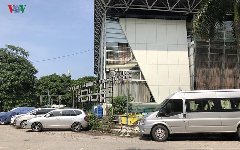 Cận cảnh bên trong Công viên Tuổi trẻ Thủ đô ở Hà Nội bị 'xẻ thịt' - Ảnh 12.