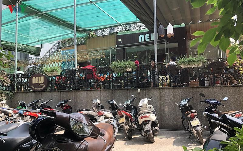 Cận cảnh bên trong Công viên Tuổi trẻ Thủ đô ở Hà Nội bị 'xẻ thịt' - Ảnh 3.