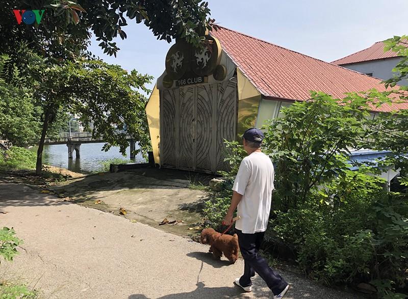 Cận cảnh bên trong Công viên Tuổi trẻ Thủ đô ở Hà Nội bị 'xẻ thịt' - Ảnh 6.