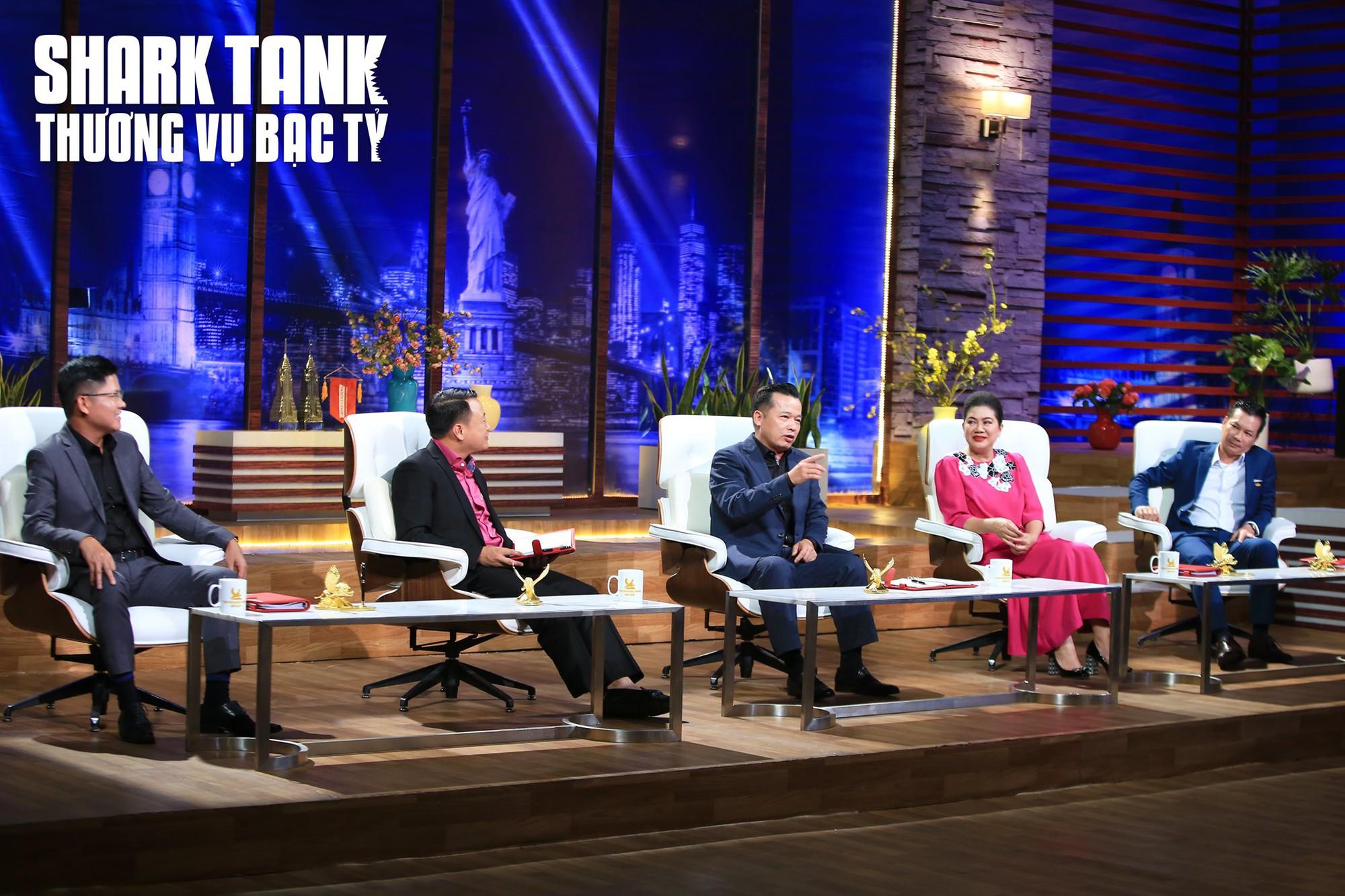 Định giá dự án hơn trăm tỉ trên Shark Tank Việt Nam, hai cô gái được gọi là 'người ngoài hành tinh' - Ảnh 3.