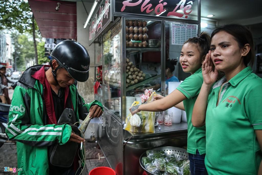 Quán phở 50 năm ở Sài Gòn nhượng quyền khắp Hong Kong - Ảnh 4.