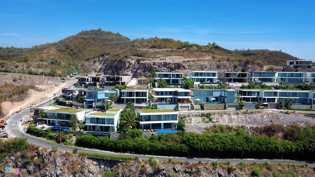 Xẻ núi Nha Trang xây biệt thự biển triệu USD dành cho giới siêu giàu - Ảnh 12.