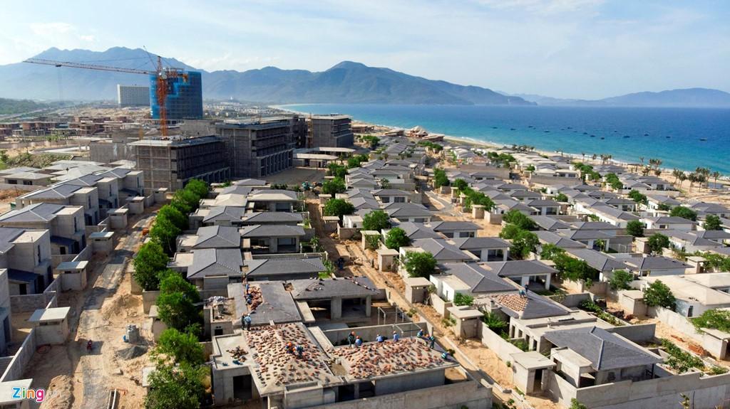 Đại công trường xây dựng hơn 5.000 căn condotel tại Cam Ranh - Ảnh 12.