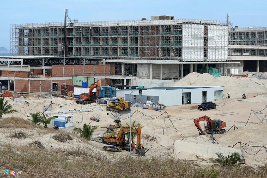 Đại công trường xây dựng hơn 5.000 căn condotel tại Cam Ranh - Ảnh 15.