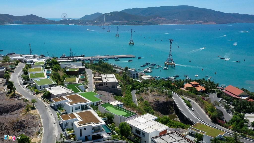 Xẻ núi Nha Trang xây biệt thự biển triệu USD dành cho giới siêu giàu - Ảnh 2.