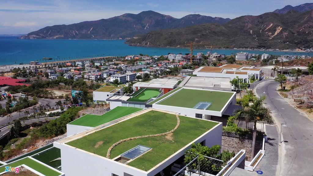 Xẻ núi Nha Trang xây biệt thự biển triệu USD dành cho giới siêu giàu - Ảnh 3.