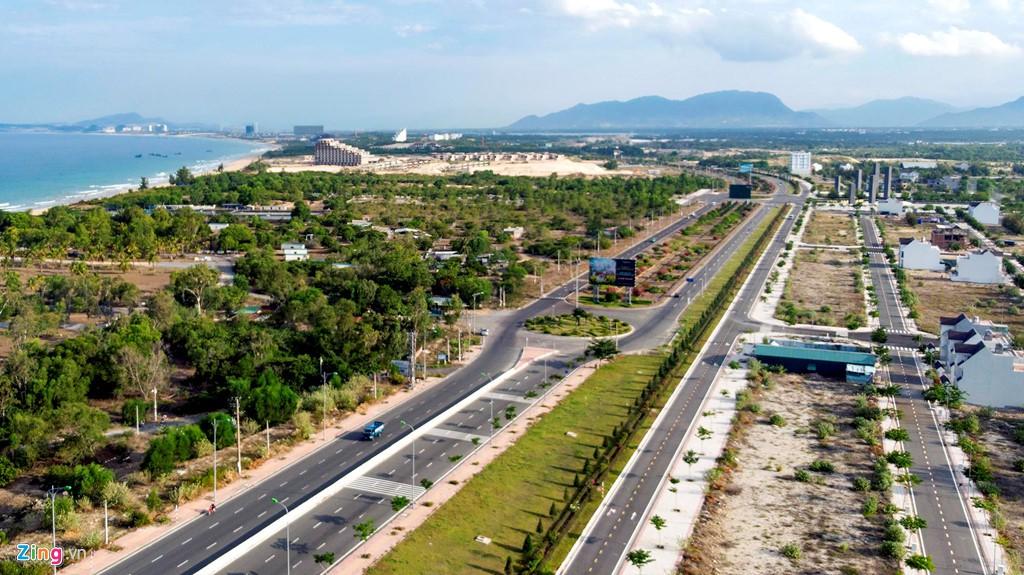 Đại công trường xây dựng hơn 5.000 căn condotel tại Cam Ranh - Ảnh 3.