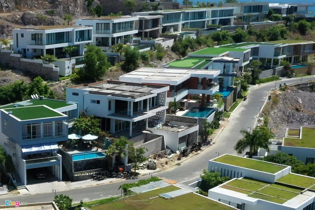 Xẻ núi Nha Trang xây biệt thự biển triệu USD dành cho giới siêu giàu - Ảnh 6.