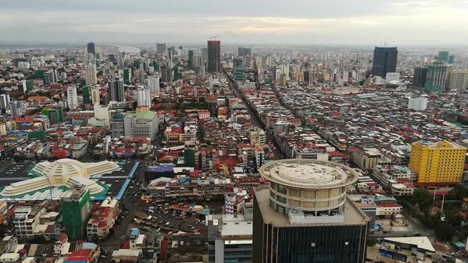 Giới đầu tư Trung Quốc đổ bộ ồ ạt, bất động sản Campuchia bùng nổ - Ảnh 2.