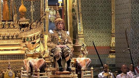 10 tỉ phú hoàng gia giàu nhất hành tinh - Ảnh 10.