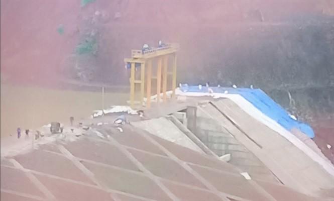 Thủy điện Đăk Kar gặp sự cố nghiêm trọng: Yêu cầu sơ tán khẩn cấp dân sống trong vùng nguy hiểm - Ảnh 1.