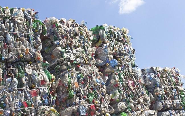 Australia ngừng xuất khẩu rác thải ra nước ngoài - Ảnh 1.