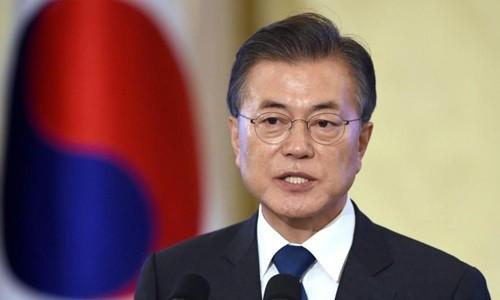 Tổng thống Hàn Quốc thay đồng loạt 8 bộ trưởng - Ảnh 1.