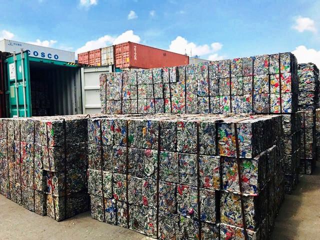Doanh nghiệp khai 5 container phế liệu là gốm đất nung để 'né' thuế - Ảnh 1.