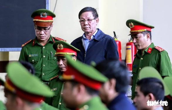 Ông Phan Văn Vĩnh tiếp tục bị khởi tố trong vụ kỳ án gỗ trắc - Ảnh 1.