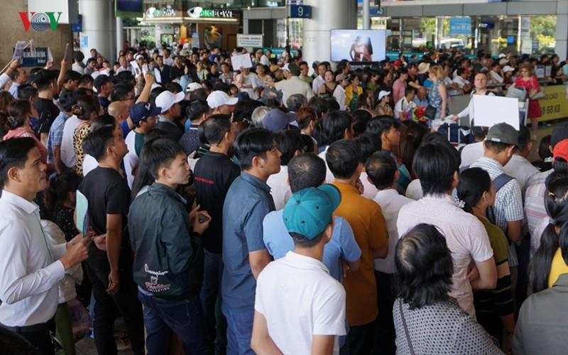 Mở thêm đường chỉ giải quyết bề nổi ùn tắc quanh sân bay Tân Sơn Nhất - Ảnh 2.