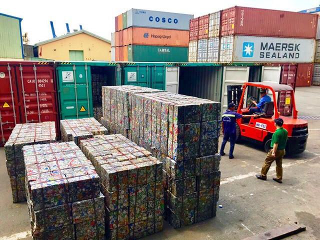 Doanh nghiệp khai 5 container phế liệu là gốm đất nung để 'né' thuế - Ảnh 2.