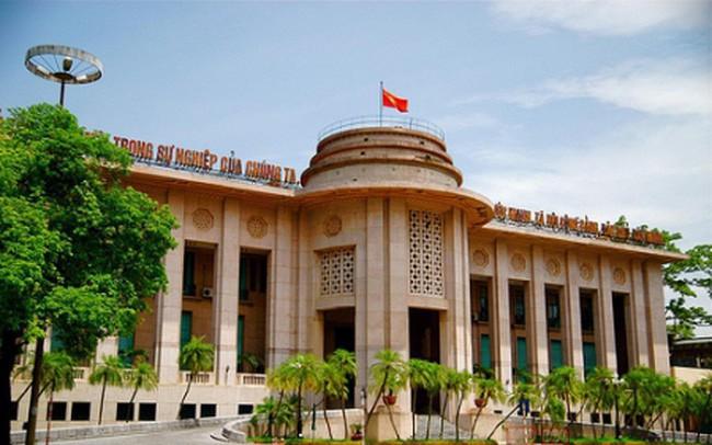 NHNN cảnh báo tình trạng ngân hàng cho vay cầm cố sổ tiết kiệm trái qui định - Ảnh 1.