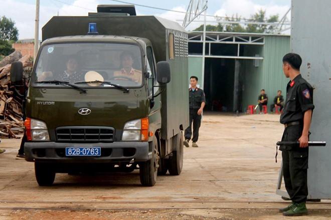 13 tấn tiền chất ma túy trong xưởng sản xuất của người Trung Quốc - Ảnh 1.