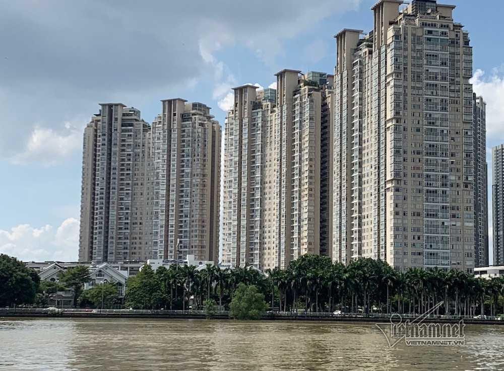 Cận cảnh hành lang bảo vệ sông Sài Gòn bị 'độc chiếm' - Ảnh 3.