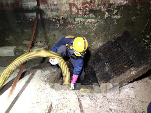 Vụ cháy tại Công ty Rạng Đông: Vận chuyển hơn 50 tấn phế thải đi xử lí - Ảnh 2.