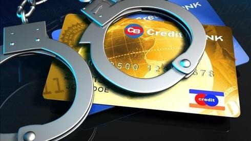 Nở rộ lừa đảo chiếm đoạt tài khoản ngân hàng, khách hàng cần lưu ý gì? - Ảnh 1.