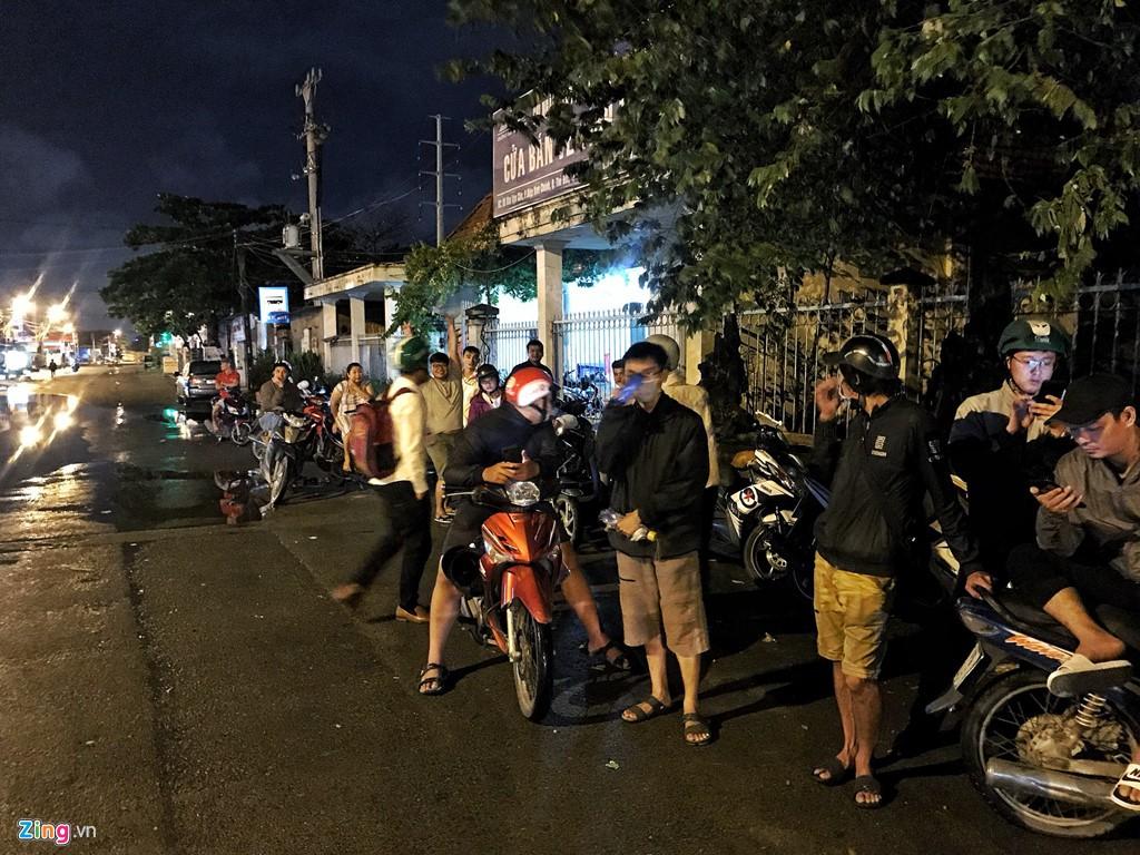 Trăm cảnh sát bồng súng AK, khám xét trụ sở Alibaba xuyên đêm - Ảnh 12.