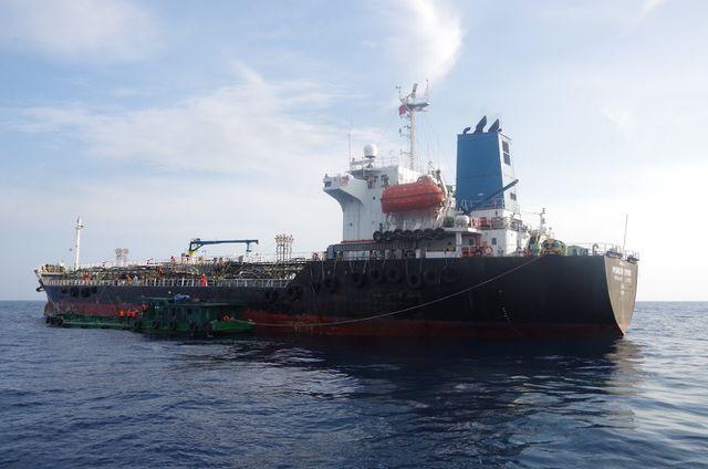 Gian nan 'cuộc chiến' chống buôn lậu xăng dầu - Ảnh 2.