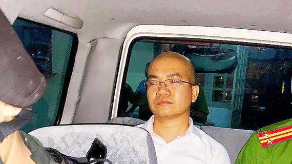 Nhân viên Alibaba vẫn lôi kéo khách hàng - Ảnh 1.