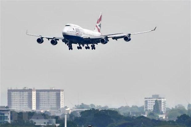 British Airways khôi phục 50% dịch vụ sau khi phi công hoãn đình công - Ảnh 1.
