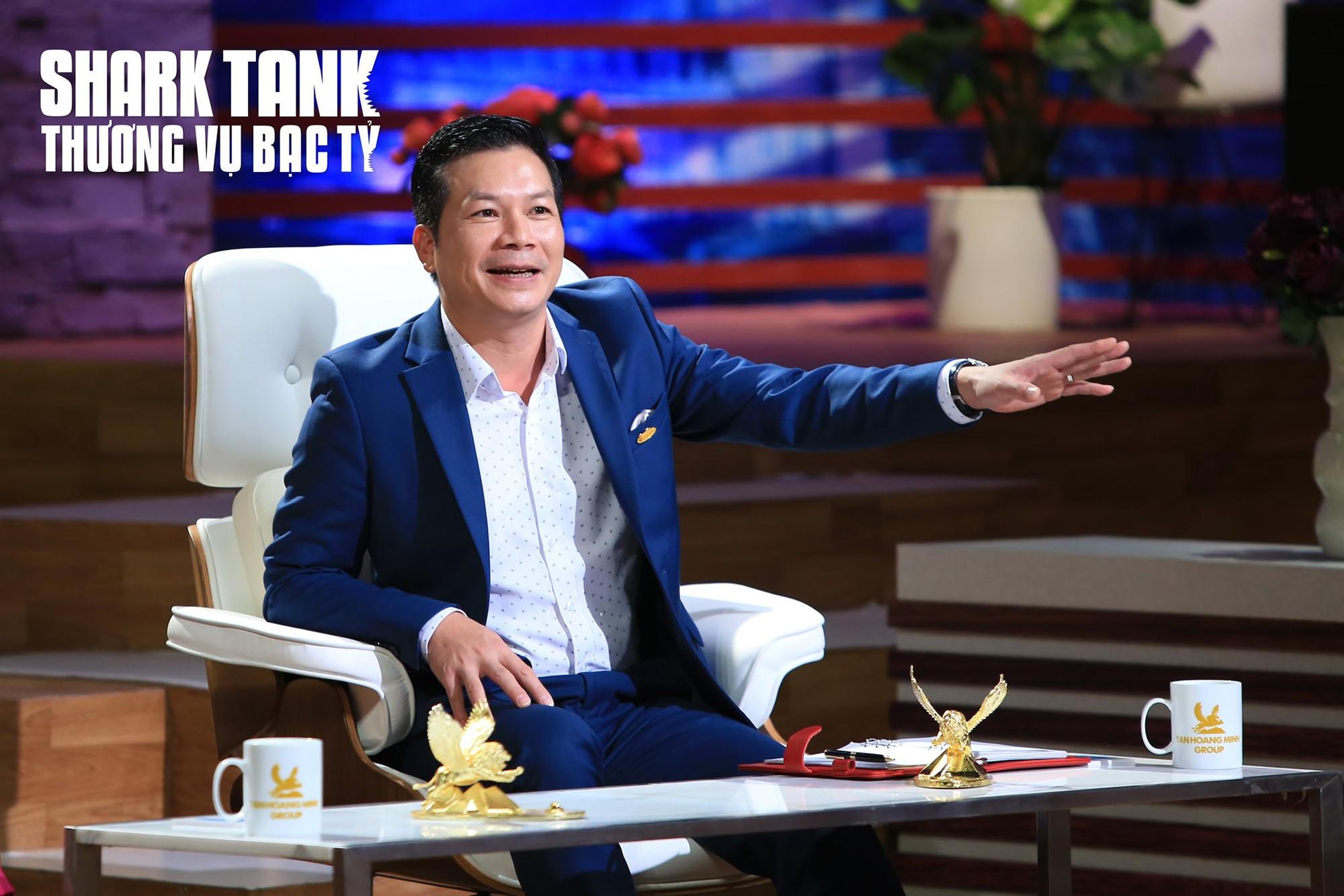 Lên Shark Tank Việt Nam gọi vốn, kĩ sư phần mềm tài năng khiến 'cá mập' tự nguyện 'bán thân' - Ảnh 3.