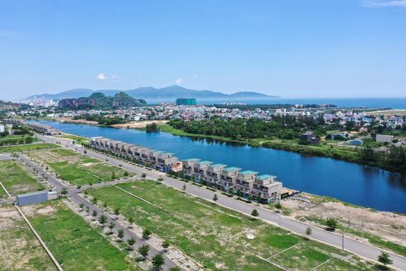 Đất xanh miền Trung: 36 biệt thự bị dừng thi công được miễn giấy phép xây dựng - Ảnh 2.