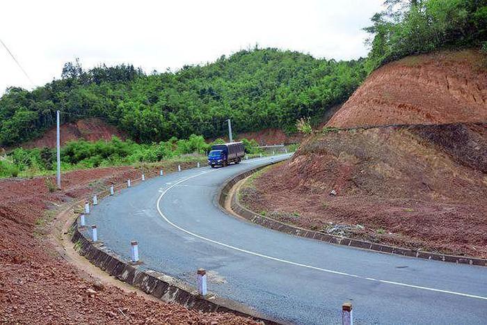 Công bố hàng loạt nhà thầu 'xù' tiền tạm ứng xây công trình ở Đắk Nông - Ảnh 2.
