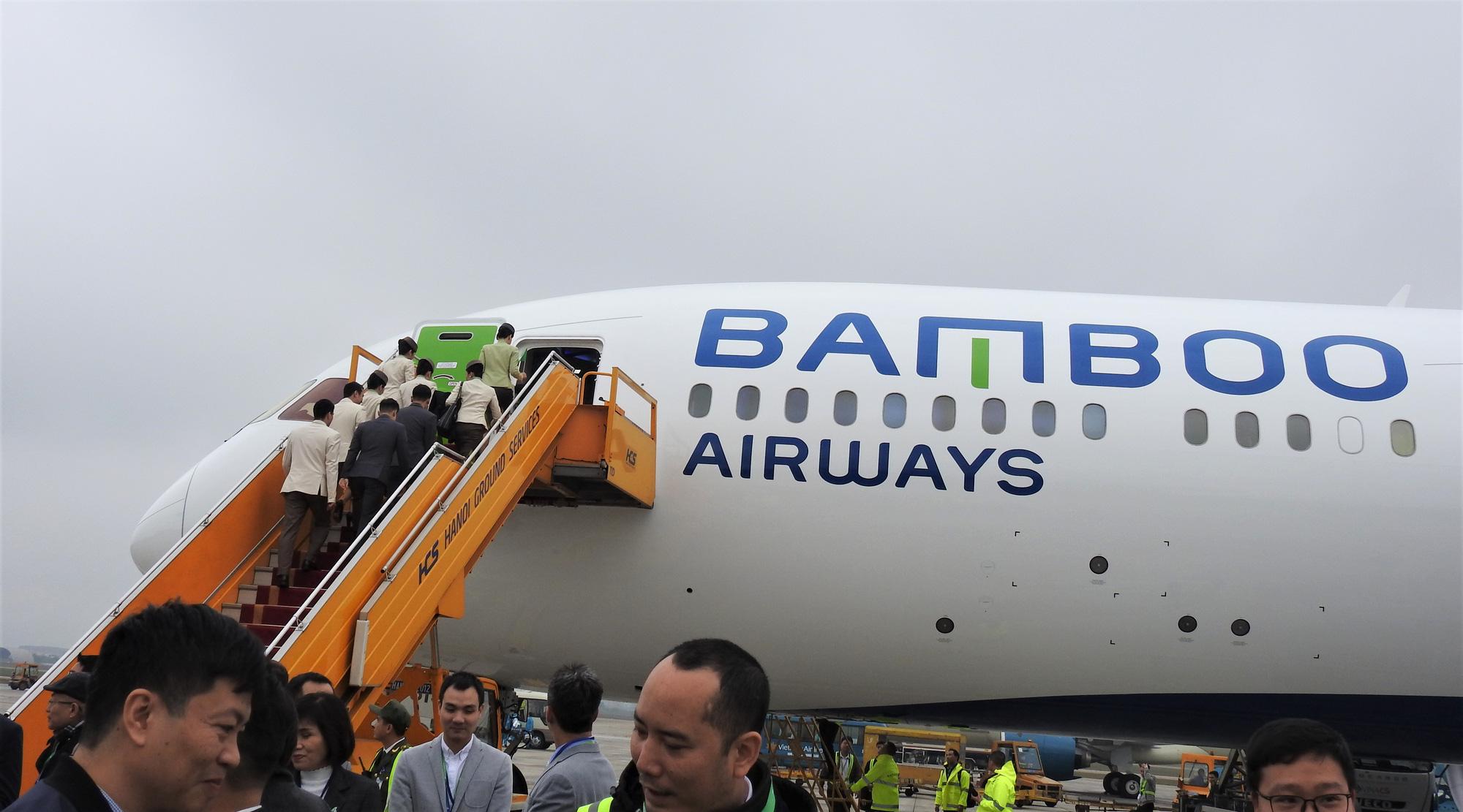 Bamboo Airways sắp thuê ướt hai tàu Embraer E195 cho chặng bay Côn Đảo - Ảnh 1.