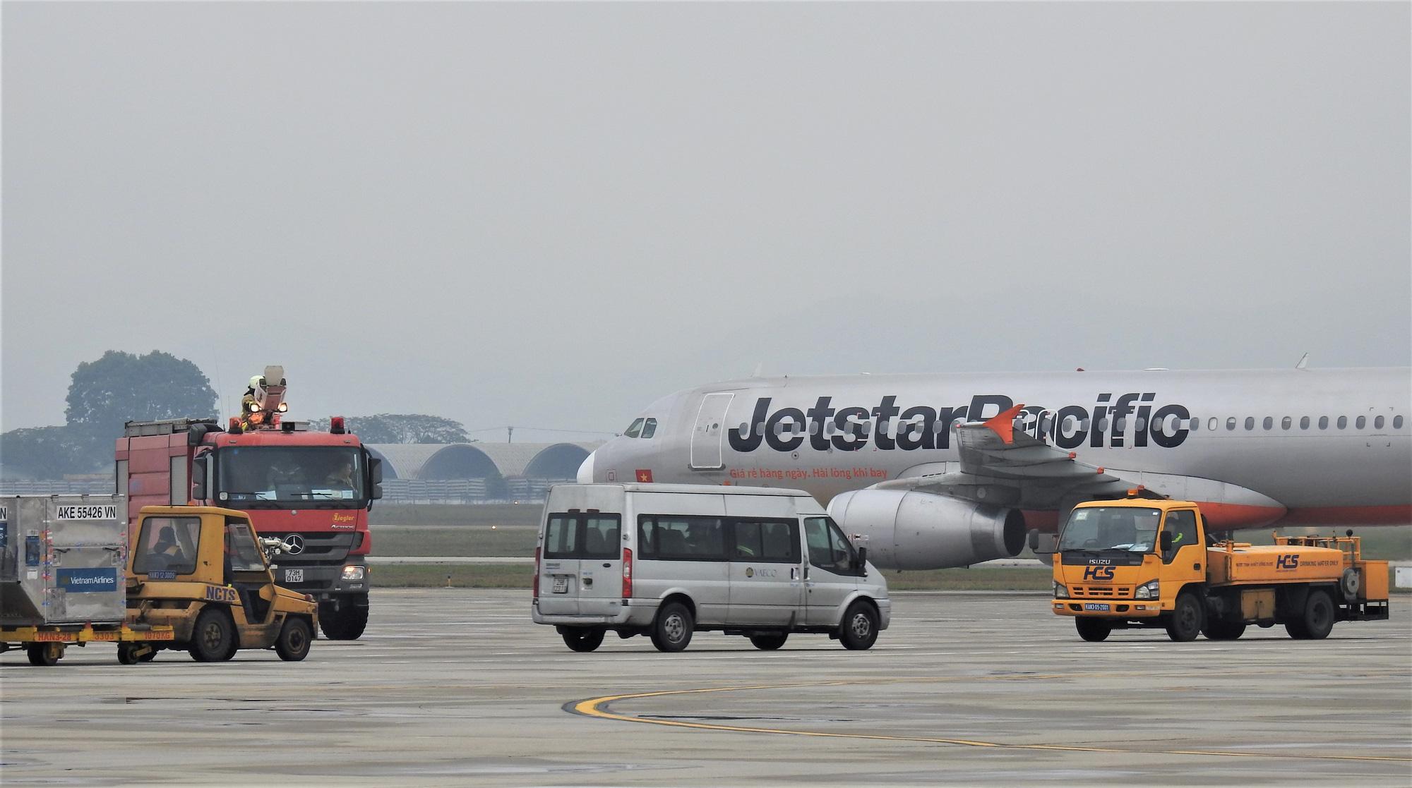 Chuyển hướng các chuyến bay từ vùng có dịch Covid-19 của Hàn Quốc - Ảnh 1.